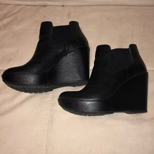 Kirk-Ease Black Leather Wedge Boots Size 8